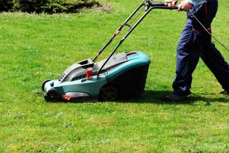 How Lawn Mowers Work