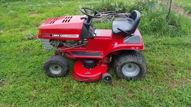 Who Makes Lawn Chief Mowers