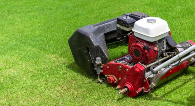how does a riding lawn mower work