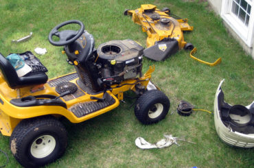 How To Repair Riding Lawn Mowers