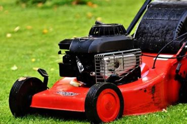 Lawn Mowers Have Briggs And Stratton Engines