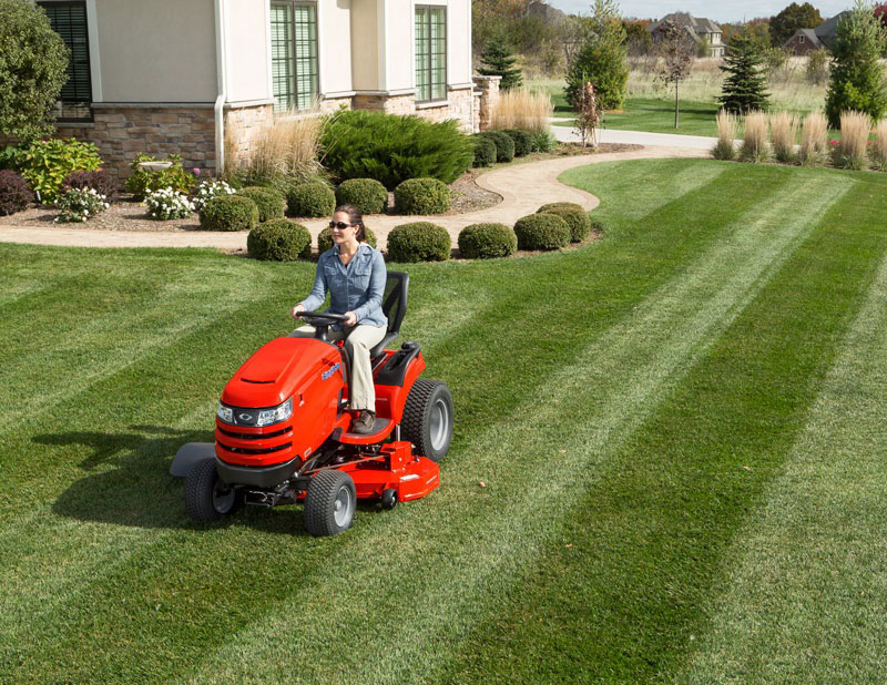 Who Makes Simplicity Lawn Mowers