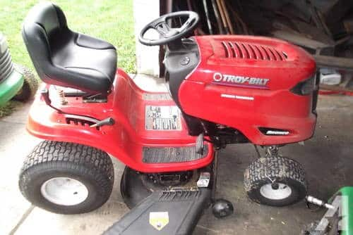 Who Makes Troy Bilt Riding Lawn Mowers
