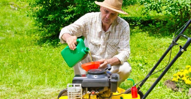 Can You Use Car Oil In A Lawn Mower? Here Is The Answer