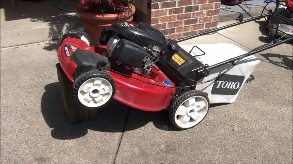 how to change a drive belt on a toro recycler lawn mower